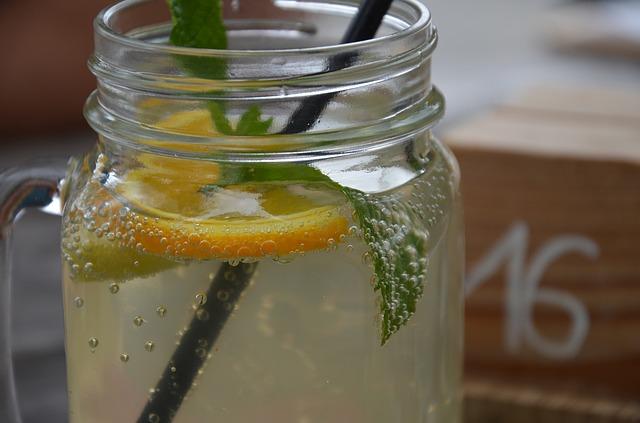 limonáda s meduňkou
